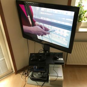 """37"""" tommer TV fra SamsungFejler absolut intet  Fjernsynet er HD ready, så den virker helt perfekt med Ps4, Chromecast osv.   Fjernbetjeningen medfølger naturligvis  Tv-stand som ses på billedet medfølger!"""