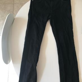 Weekday Slim jeans np 450 kr str 32/34 cond 8/10