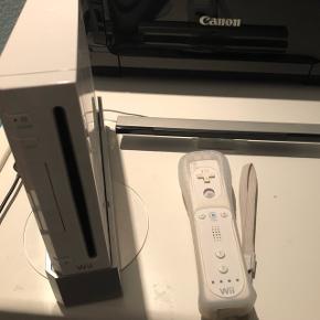 """Wii (5 spil, 3 mikrofoner til """"sing it"""")  BYD"""