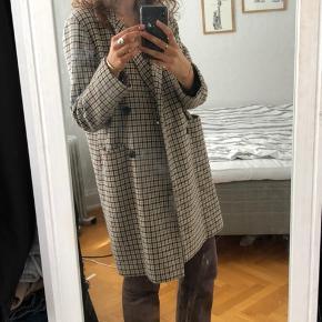 Ternet Envii frakke BYD!! (Prisen er vejledende!) Mødes og fragter gerne :) Køber betaler fragt