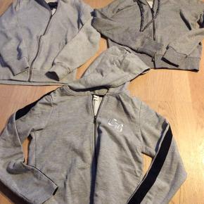 Alt er helt nyt. De 3grå trøjer er Urban D-Xel, Skøn Copenhagen, Cost:bart. Jakken er H&M. Blå bluse kids up. Hvid bluse Hound.