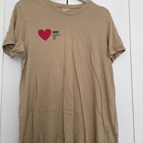 By Malene Birger T-shirt