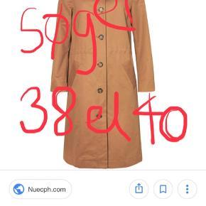 Søger denne frakke fra Nué Notes i str. 38 el. 40