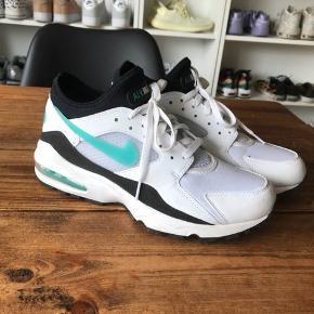 Nike Air Max 93 43 500,- Sender med DAO