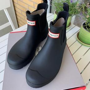 HELT NYE womens original chelsea korte gummistøvler str. 39 købt i juli 2020. Er aldrig brugt - desværre et fejlkøb. Original kvittering haves. Vejl. Nypris 850,-