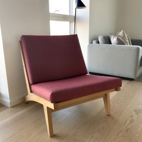 Hans J. Wegner GE 370 lab stol i eg H73 B64 D 84 - sædehøjde 42 cm. Nypris 13.700 kr.