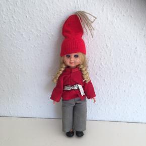 Gl sjælden dukke ca 15 cm høj med øjne der kan blinke  Julepynt retro jul vi tage Christmas julenisse nissepige nisse   Yderst stand  Sender gerne