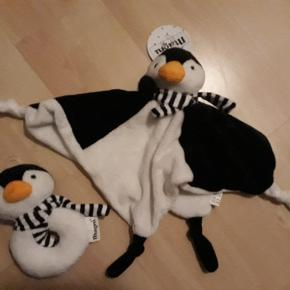 Sødeste sæt med pingvin sutteklud og rangle,  fra 0mdr. Sælges samlet for 65kr