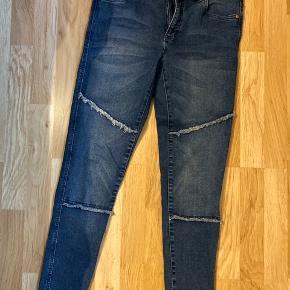 Fede jeans med stræk. Brugt 2 gange