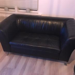 En 3-personers og en 2-personers sofa.