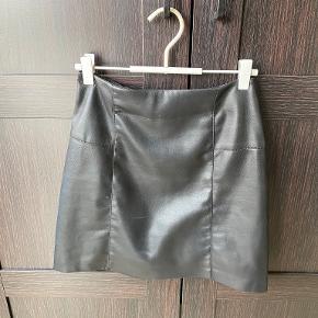 Amisu nederdel