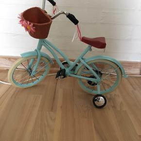 Our generation dukke cykel  Nærmeste kun stået til pynt   + porto