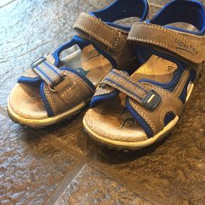 Fine, men meget brugte sandaler fra Superfit, tydelige slidmærker foran på sandalerne, str. 30.