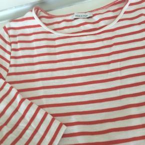 Meget fin bluse str. L. Orange og hvid stribet. 1/3 ærmer.  Køber betaler Porto 😊