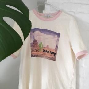 Helt ny ganni t-shirt, aldrig brugt da den ikke passede :) Den er lille i størrelsen så passer også M og L :)