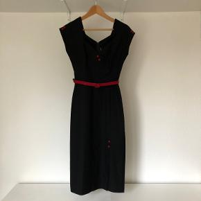 Stop Staring kjole