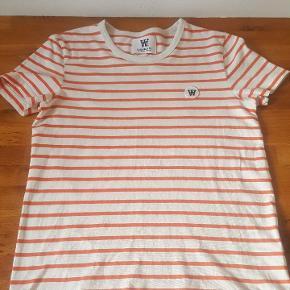 Rigtig fri T-shirt fra Double A by wood wood. fra ikke ryger hjem.   nypris 400kr