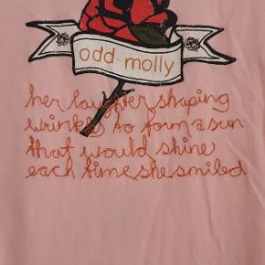 Skøn T-shirt.  Super fin farve og print.  Str 2