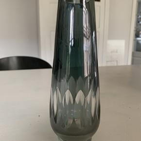 Super fin retro glasvase. Højde 20 cm. I perfekt stand.