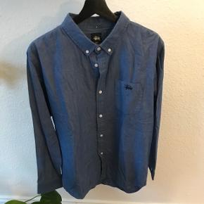 Stussy skjorte str. L  God men brugt