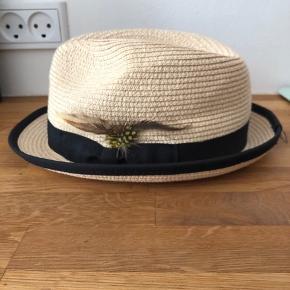 Sød strå hat - købt ved Stig P i København.