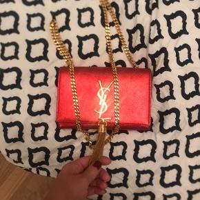 Smukkeste ysl taske, brugt max 3-4 gang, næsten som ny