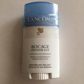 40 ml. Bocage Stick Deodorant fra Lancôme. Er stadigvæk pakket ind i folie. Prisen er plus fragt.