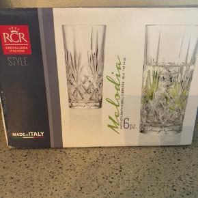 Melodia Highball glas og Melodia Whiskey glas ( Lyngby efterligning )  6 stk i hver kasse  Helt nye  100 kr pr kasse eller tá den begge for 150 kr