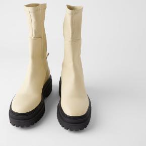 Sælger disse støvler, da de er for store til mig.  Byd :)