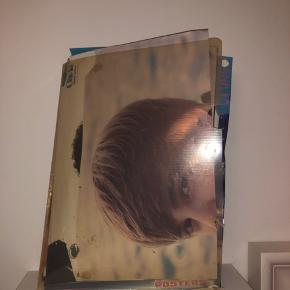 - 20+ plakater af Justin Bieber i forskellig tilstand - Billeder - klistermærke - 2 iPhone 4/4s covers - 5 bøger  - film(rise to fame)