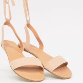 ASOS DESIGN Fiola Flat Sandals, str. 42. Aldrig brugt. Skriv for billeder. 🌺