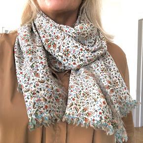 Heartmade / Julie Fagerholt tørklæde