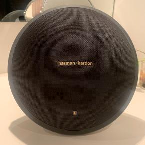 Harman Kardon Onyx Studio 4. Dårlig nok brugt. Står bare og samler støv og fortjener en ny ejer!  Oplader medfølger
