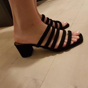 Sandaler fra billi bi. God stand. Brugt én enkelt gang