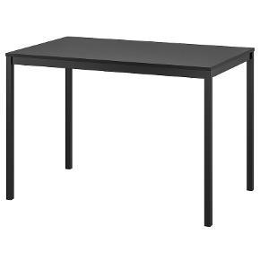 Spisebord/arbejdsbord fra Ikea.   Skal afhentes i Nørresundby, Aalborg