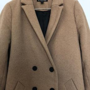 Camelfarvet uldfrakke