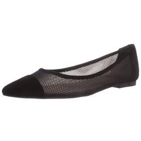 DAO porto 35 DKK (bytter)  Sort flotte spids sko. Ballerinaer der elegant og passer til mange outfits. God til sommer da de trækker vejret. Du skal være 36. Jeg er 36.5, jeg kan passe dem men de strammer en smule.