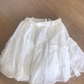 H&M nederdel Str. 42, men fitter en 38-40 Brugt 1 gang