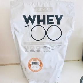 Bodylab Protein pulver salter karamel milkshake  Brugt en gang og dermed er der næsten alt tilbage  Mp 120kr