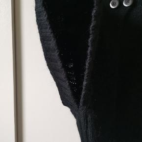 Fin sort poncho/cardigan Der er ærmer - se billede
