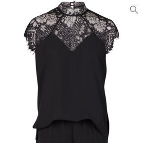 Gloria lace jumpsuit Bluse og shorts