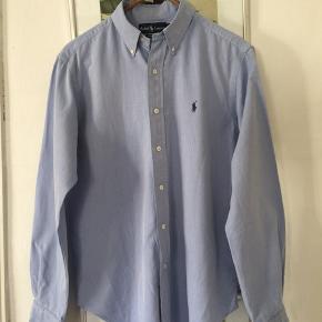Ralph Lauren skjorte Classic fit i str M. Super stand. Pris 100,-pp