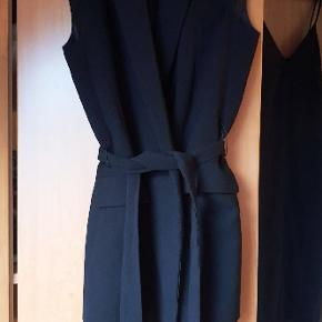 Rigtig flot vest fra Zara - 299 fra ny ☺