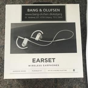 B&O Earset Wireless Earphones stadig pakket i plastik. 6700/Rørkjær