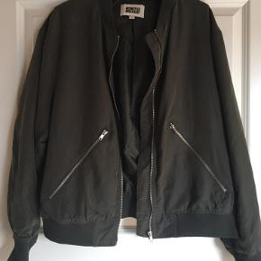 Fed jakke fra Weekday🌿.