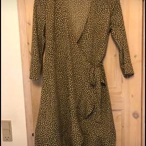 Vero moda slå om kjole str m