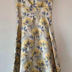 Mint & berry kjole