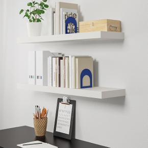 Hvid hylde fra IKEA Måler: 110 x 26 cm  Brugt i ganske få måneder og fremstår derfor i rigtig fin stand