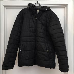 Jack and Jones vinter jakke sort med hætte. Xl. Flot stand nyvasket