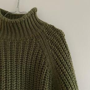 H&M army grøn strik i grov strik   Størrelse: S   Pris: 125 kr   Fragt: 39 kr ( 37 kr ved TS handel )